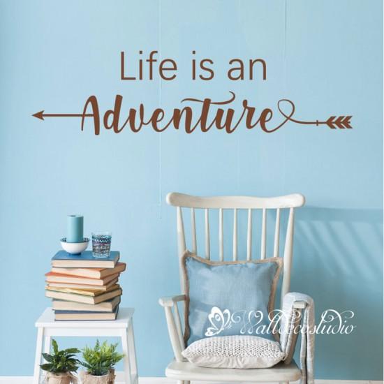 Muurteksten Life Is an Adventure
